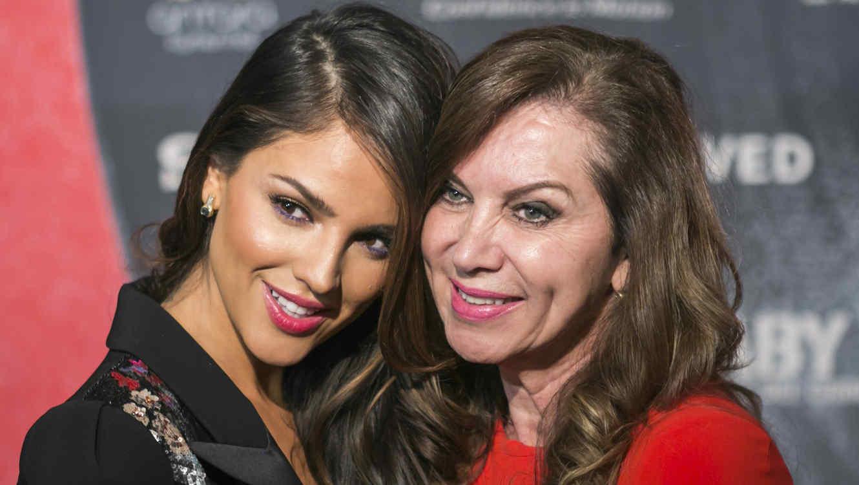 Eiza González y su mamá