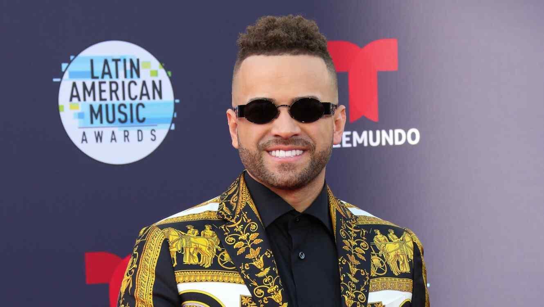 Nacho en los Latin American Music Awards
