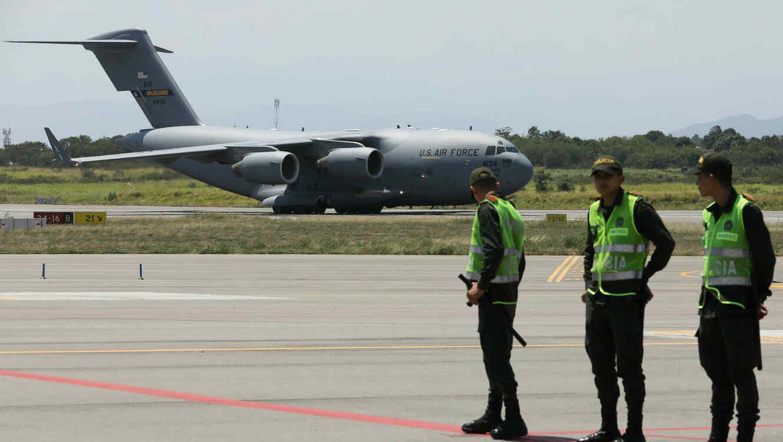 Avión C-17 del Ejército de EEUU aterrizó en Cúcuta, Colombia, con ayuda humanitaria para Venezuela