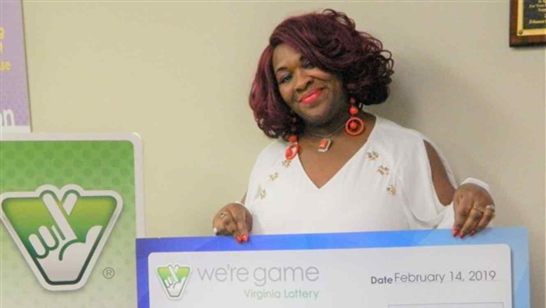 Deborah Brown ganó 150,000 dólares el pasado febrero.