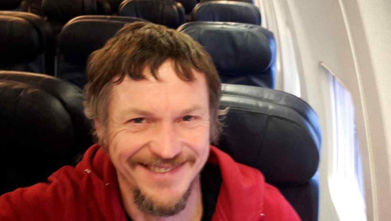 Skirmantas Strimaitis se toma un selfie a bordo de un avión Boeing 737-800 siendo el único pasajero a bordo.