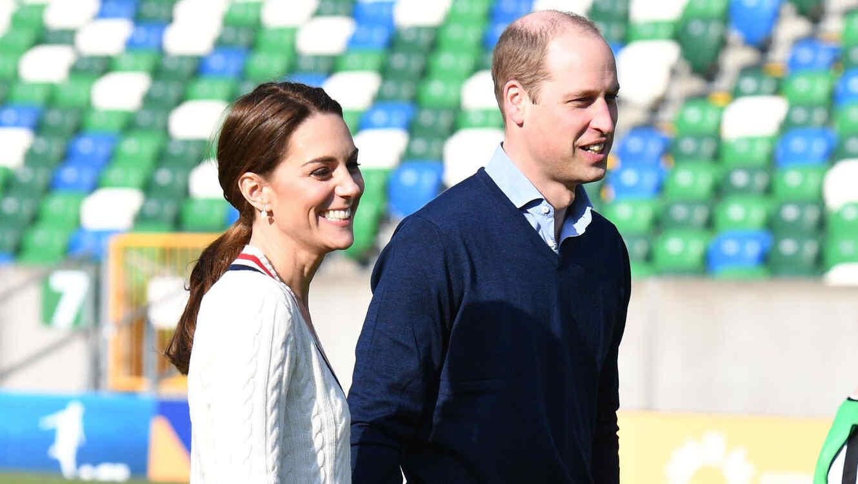 Príncipe William y Kate Middleton en el campo