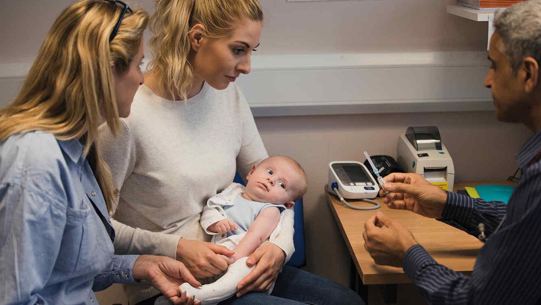 Encuentran dientes en el tumor cerebral de un bebé