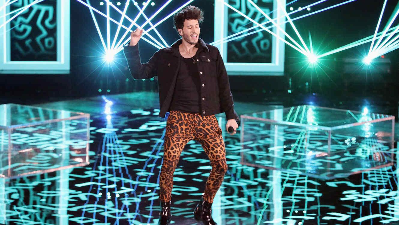 Sebastián Yatra en el escenario de La Voz