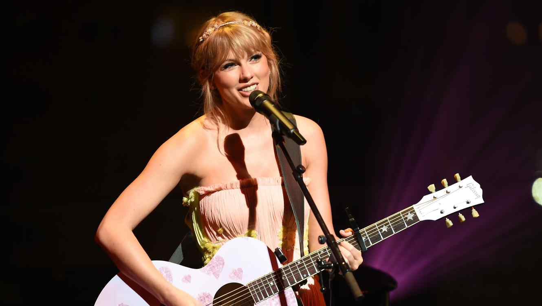 Taylor Swift to open 2019 Billboard Music Awards