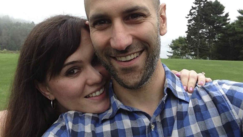 Laura Levis y Peter DeMarco.