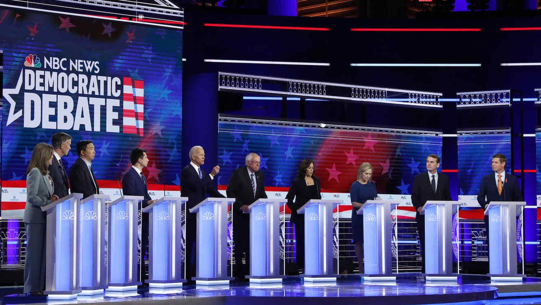 La senadora Kamala Harris se impone en debate demócrata