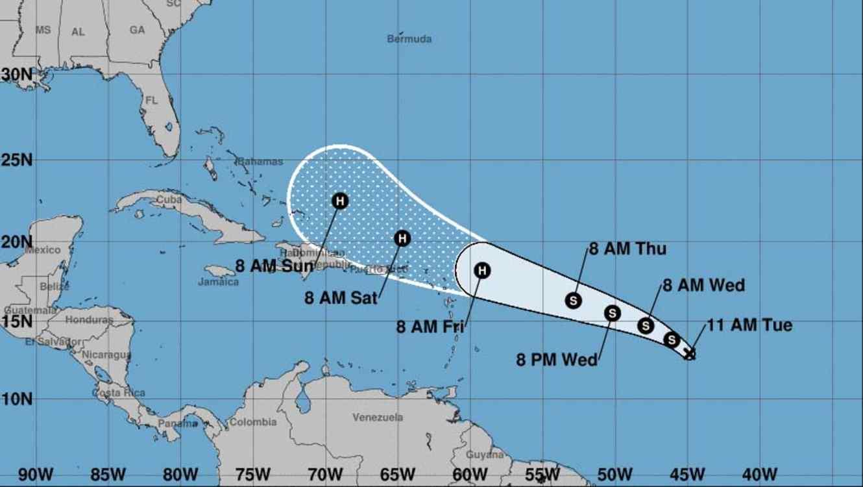 Resultado de imagen para Un nuevo huracán se dirige hacia la Costa Este, y otra tormenta amenaza Texas con graves inundaciones