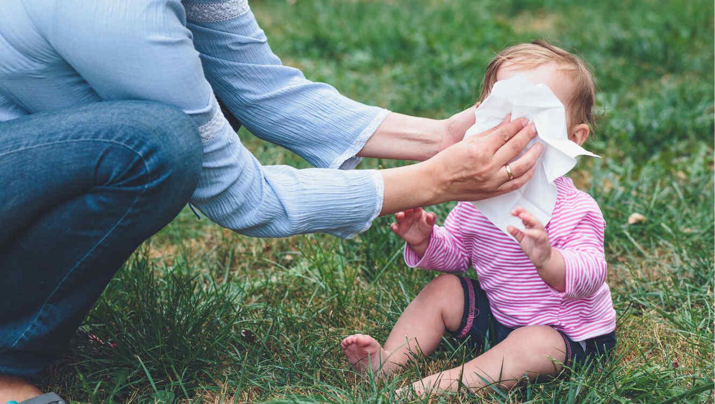 Alertan por bacteria en toallitas húmedas para bebé