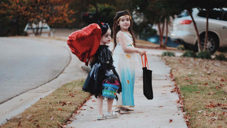 Niñas en Halloween