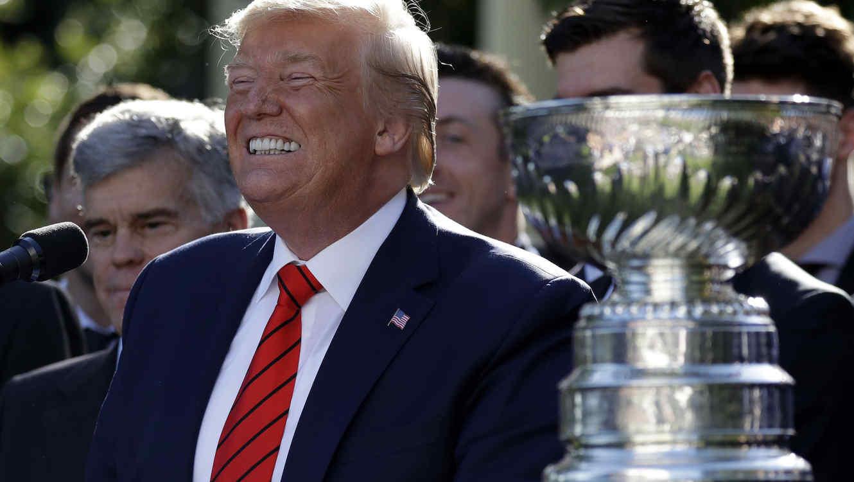 Trump, durante un acto deportivo este martes en la Casa Blanca.