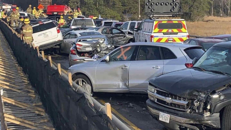 Carambola de 63 vehículos deja al menos 35 heridos en Virginia
