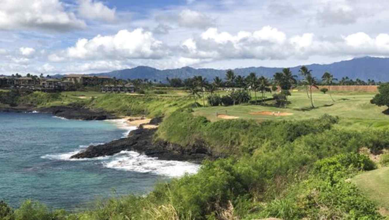 Hallan los restos de siete personas tras accidente de helicóptero en Hawái