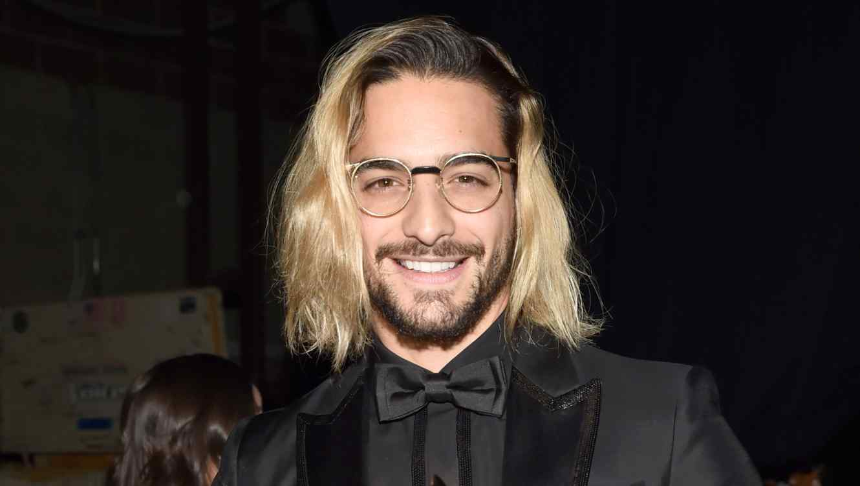 Maluma rocks blonde hair at Grammys