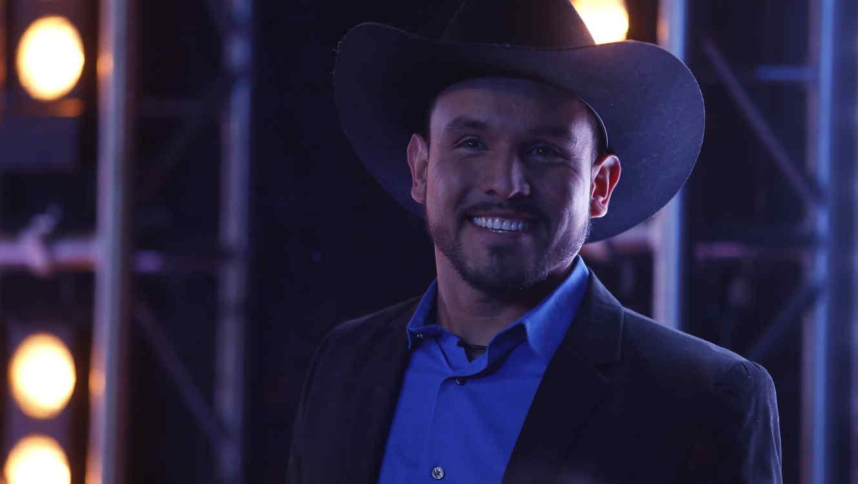Agustin llega al set del estreno de Gran Hermano