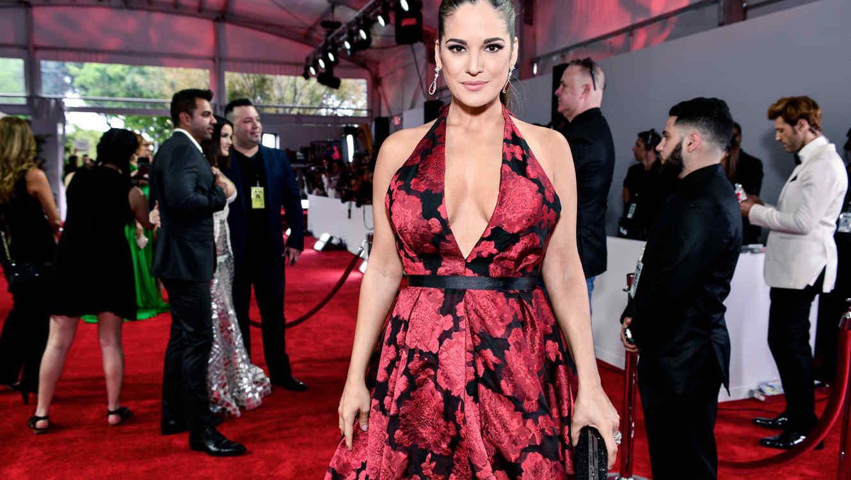 Sabrina Seara en la alfombra roja de los Premios Billboard 2016