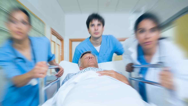 Médicos y paciente