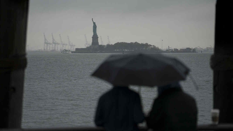 Fuertes lluvias y viento en Nueva York en el quinto aniversario del huracán Sandy.