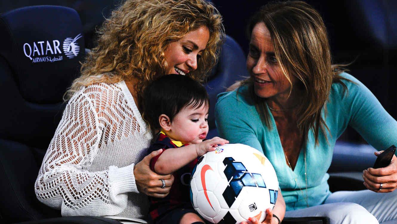 Shakira y Milan: FC Barcelona v Sevilla FC - La Liga