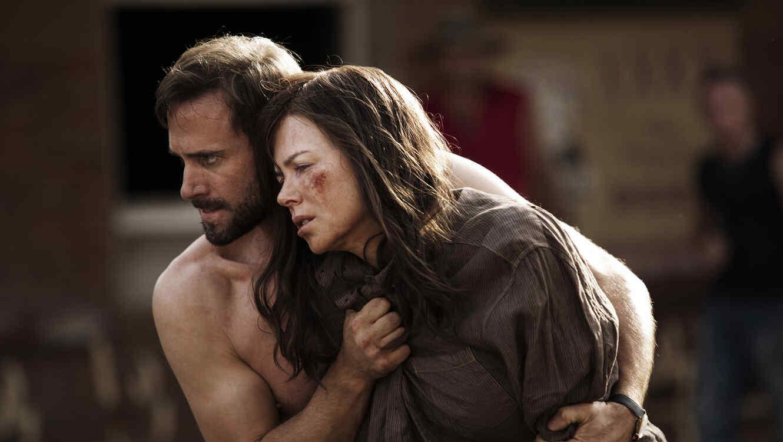 "Joseph Fiennes, izquierda, y Nicole Kidman, en una escena de ""Strangerland"" de Kim Farran."