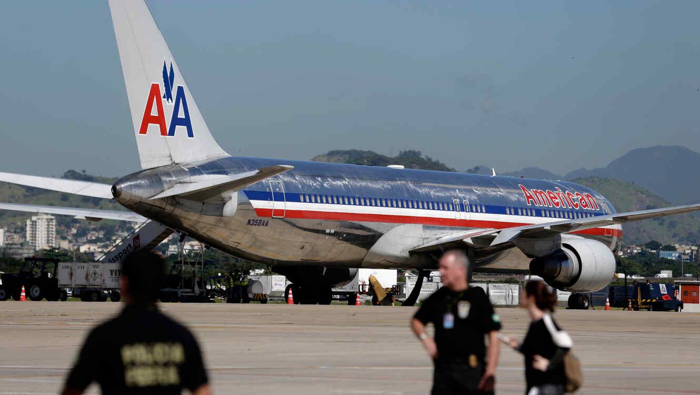 Vuelo de American Airlines impactado por un rayo