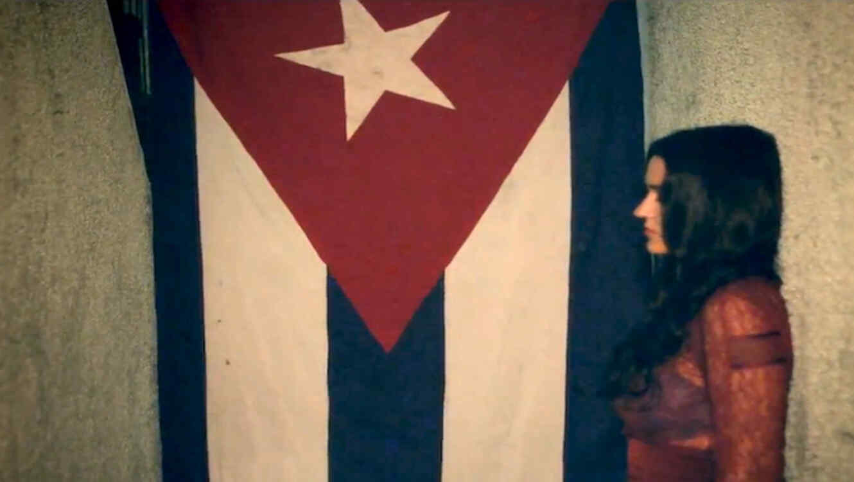 Kat Dahlia graba una version bilingüe de La Negra Tiene Tumbao de Celia Cruz.