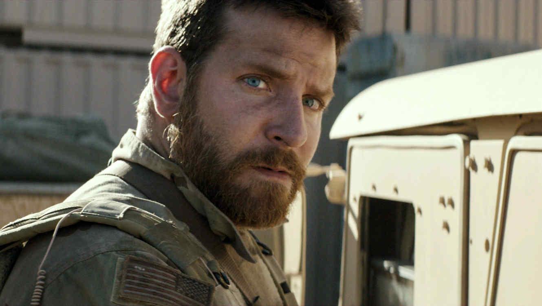 """Bradley Cooper en una escena de """"American Sniper"""""""