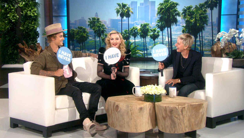 Justin Bieber besa a Madonna en el show de Ellen DeGeneres y hasta se confiesan (VIDEO)