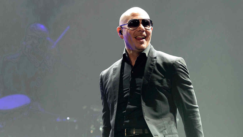 Pitbull durante su concierto de la gira 2015