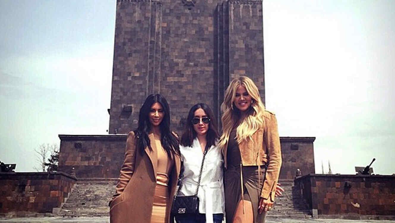 Kim Kardashian, Khloé Kardashian y Jen Atkin en Armenia