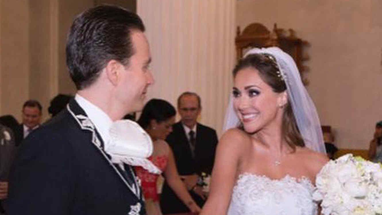 Manuel Velasco y Anahí el día de su boda en la catedral de San Cristobal, México