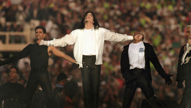 Michael Jackson en un concierto en 1993