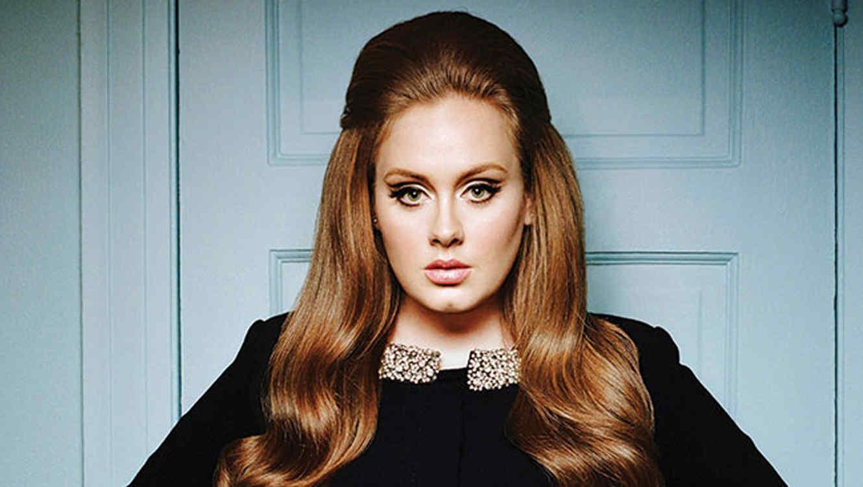 Adele en una foto promocional en 2015