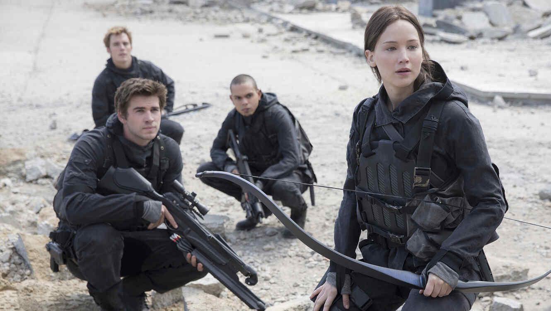 Jennifer Lawrence,Liam Hemsworth, Sam Clafin y Evan Ross