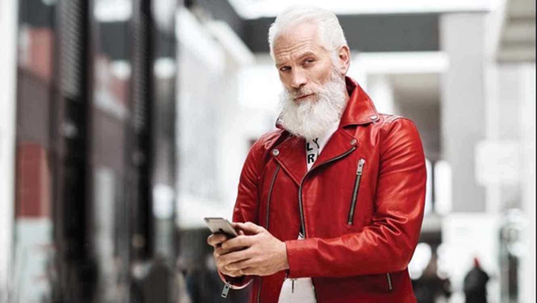 Cautiva a muchos el Santa Claus sexy