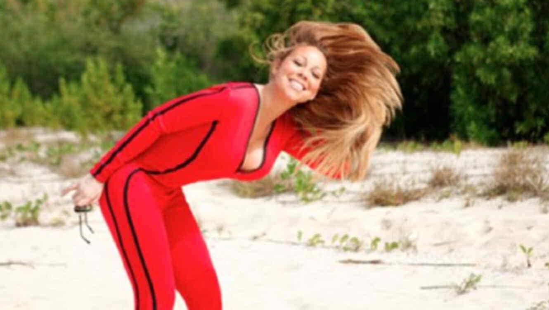 Mariah Carey en traje de baño en la playa