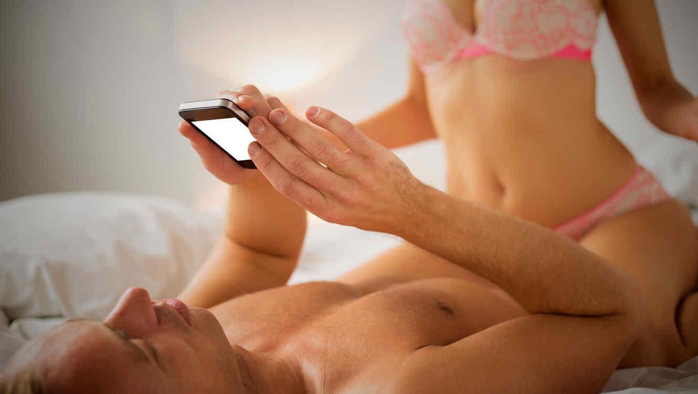 Resultado de imagen para pareja intimidad sexo