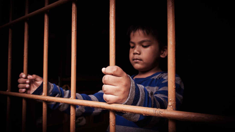 Niño en cárcel