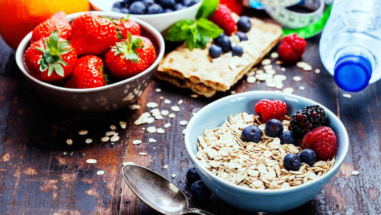 avena y frutaas