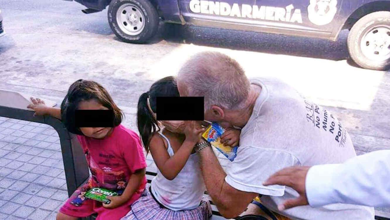 Walter Suck es dentenido eN Mexico por besar a niñas de tres años