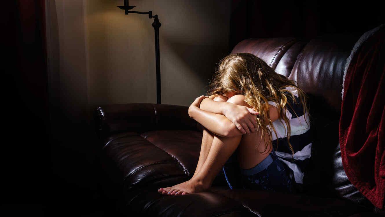 Padres abusan sexualmente sus hijos videos