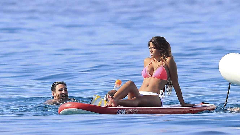 Resultado de imagen para antonella roccuzzo bikini