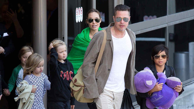 Contrata Brad Pitt a abogado de Charlie Sheen