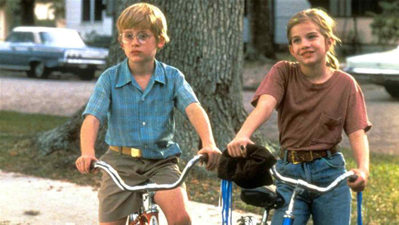 """Anna Chlumsky y Macaulay Culkin en la película """"My Girl""""."""