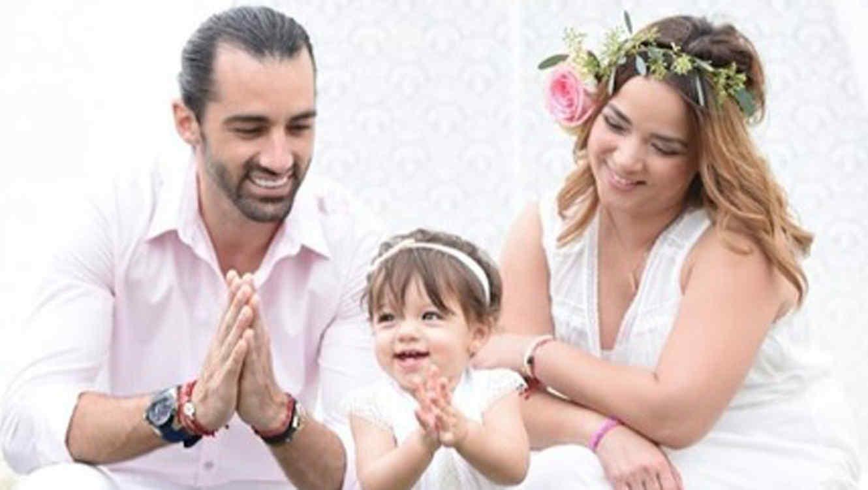 Adamari López con Toni Costa y su hija Alaïa