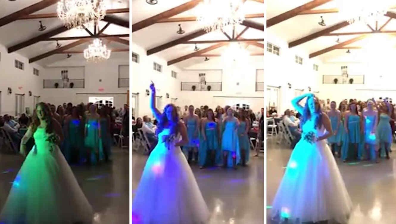 Jamie Steinborn aventando su ramo de novia