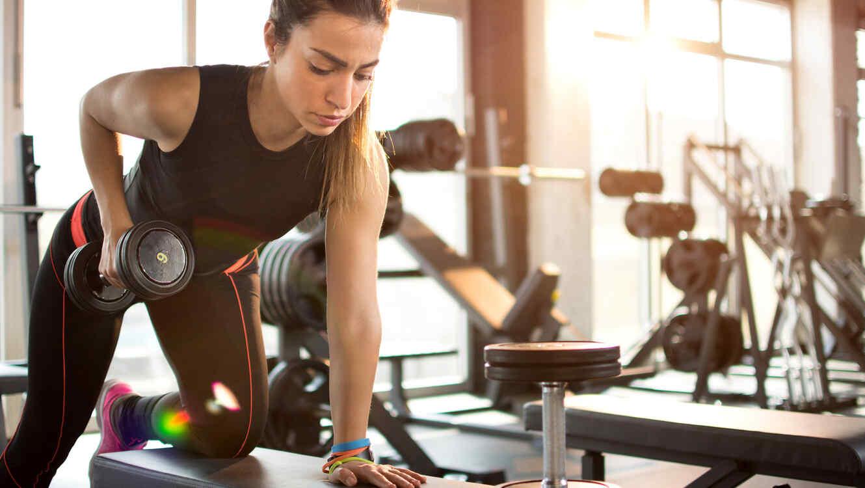 Qué tipos de ejercicios deberías incluir en tu rutina? | Telemundo