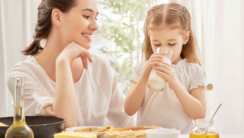 La leche de almendras es buena para ninos