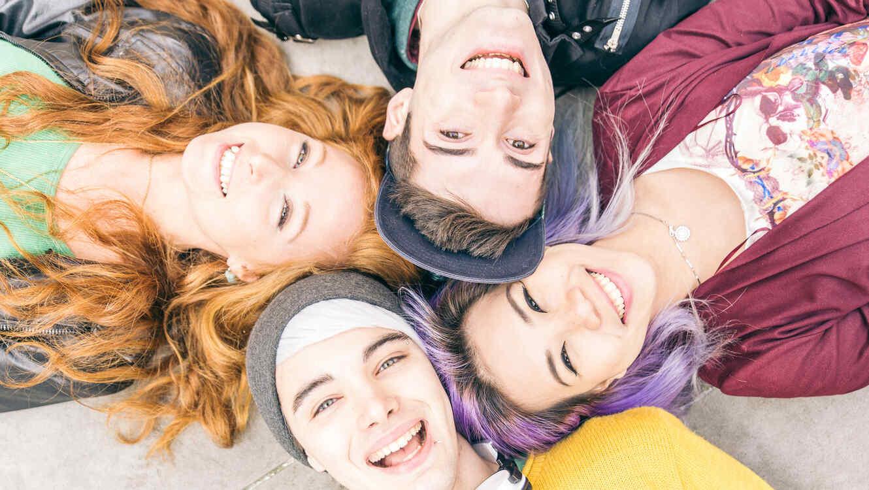 Grupo de amigos adolescentes