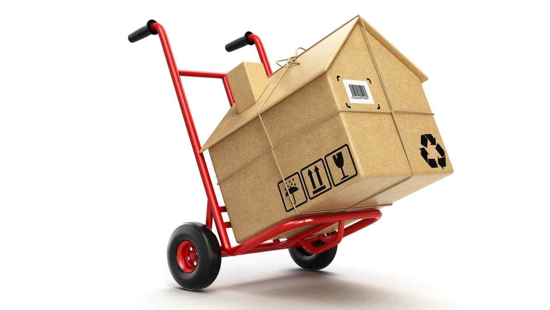 Caja de cartón con forma de casa